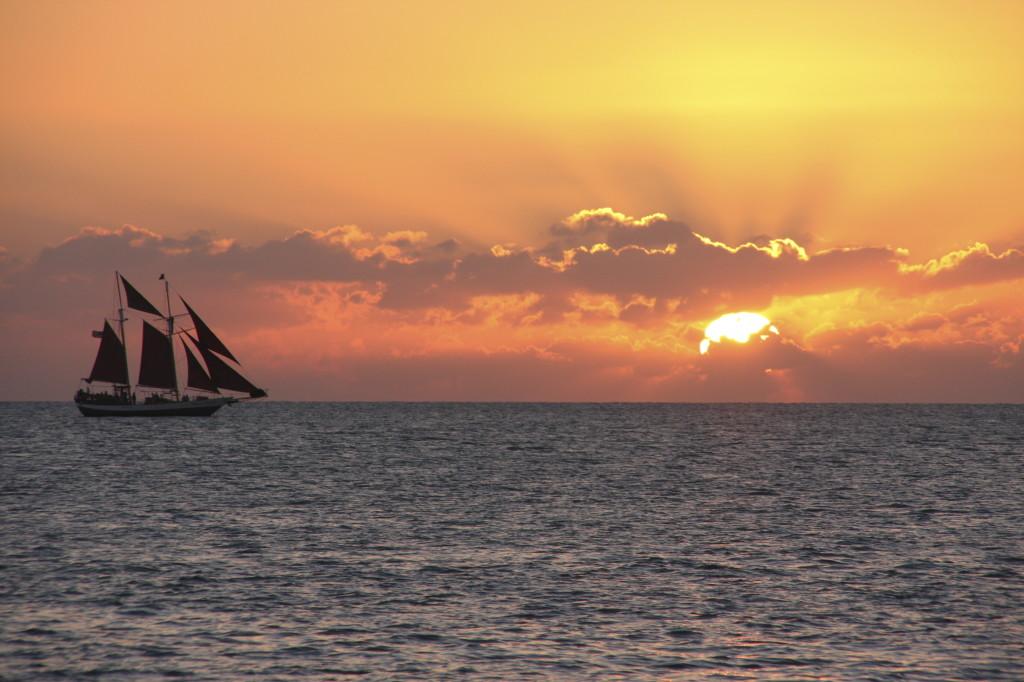 Sunset Ship -iStock_000010094753_Large
