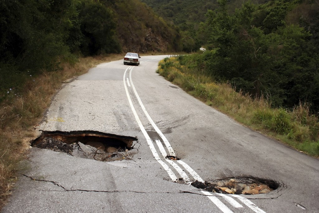 Dangerous Road - iStock_000004115541_Large