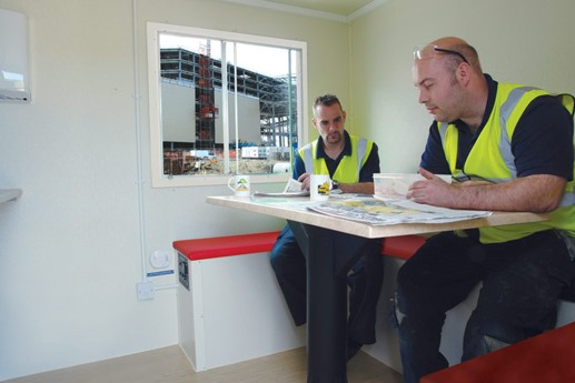 flintham-site-accommodation-safety-happy-builders-anjoying-a-well-earned-break